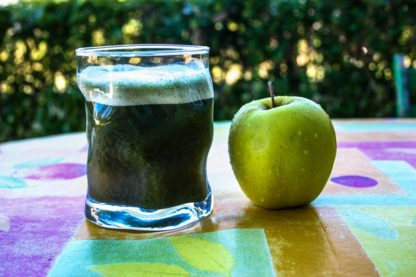 Athletic-Greens-Apfel-Gartentisch